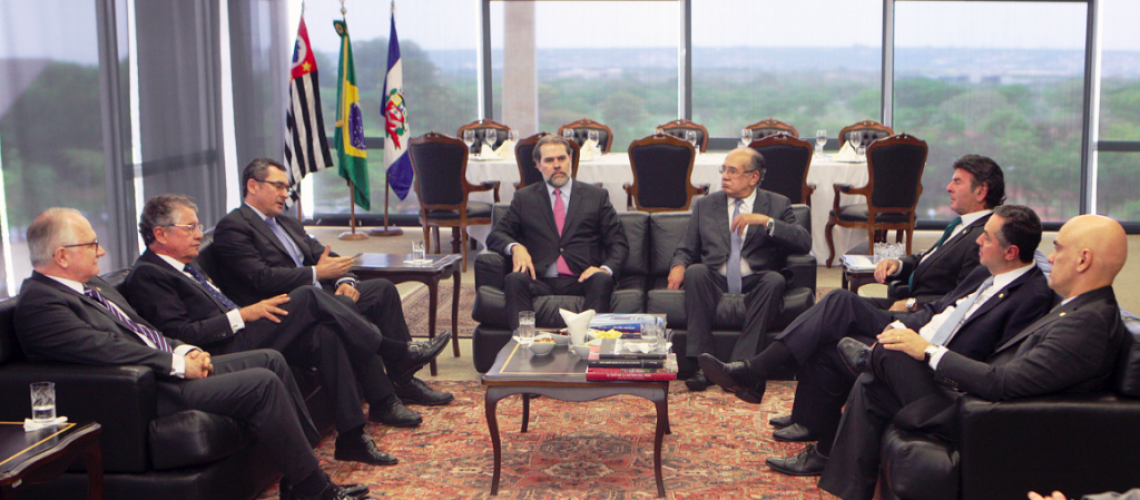 Ministros do STF discutem o momento político brasileiro